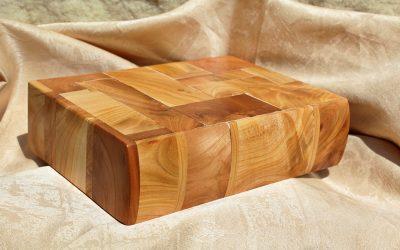 Schránka z třešňového dřeva